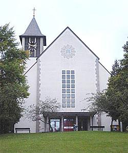 Sindelfingen, Dreifaltigkeit : KircheBB - Evangelische und